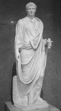 Estatua de Octavio Augusto en el Louvre de París